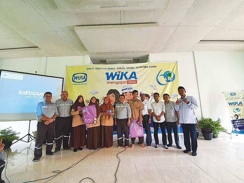 SMAN 2 Kuok Terima CSR dari PT Wijaya Karya (Pesero) Tbk