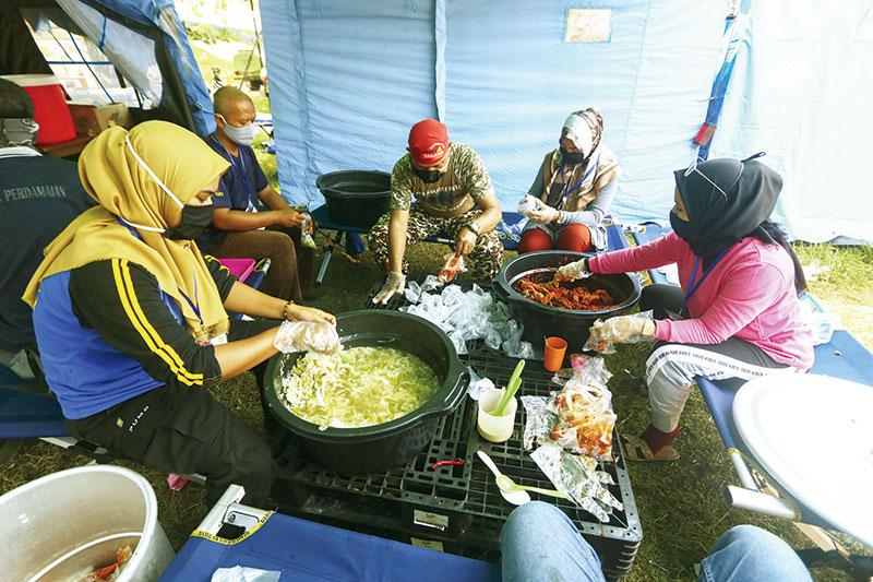 Melihat Pelayanan Dapur Umum di Kompleks Bandar Serai