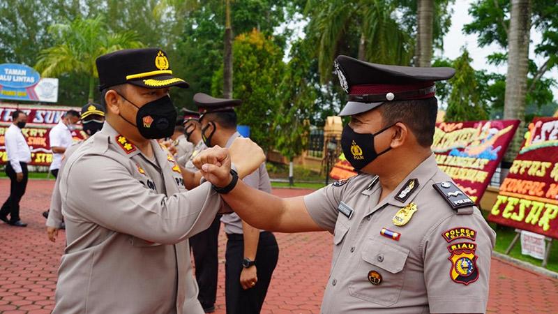 82 Personel Polres Siak Naik Pangkat