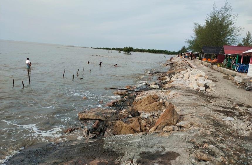 Pengamanan Pantai Rupat Utara Belum Dibangun