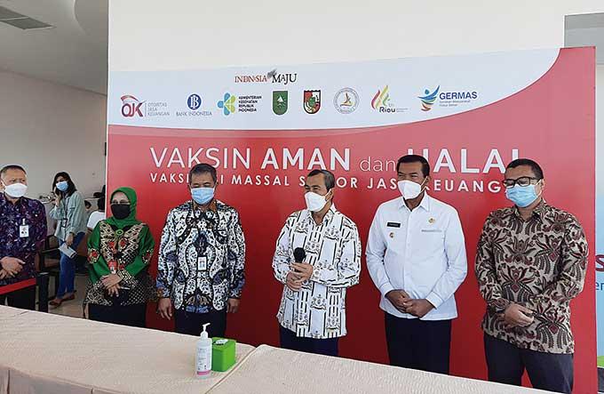 OJK Riau Targetkan 1.200 Dosis Vaksin untuk Industri Jasa Keuangan