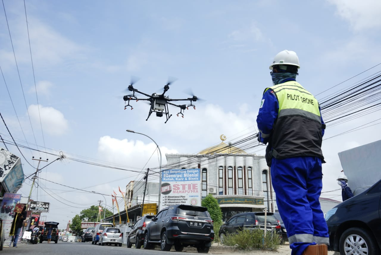 Gunakana Drone, Polda Lakukan Disinfektan Wilayah Padat Penduduk