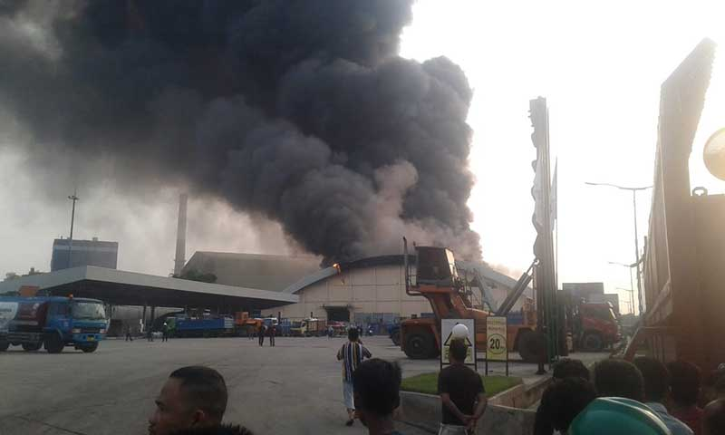 Gudang Pupuk PT HABI Perawang Terbakar