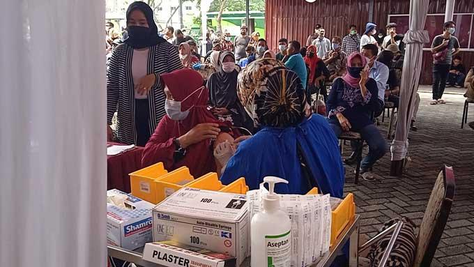 DPC Gerindra Gelar Vaksinasi Massal