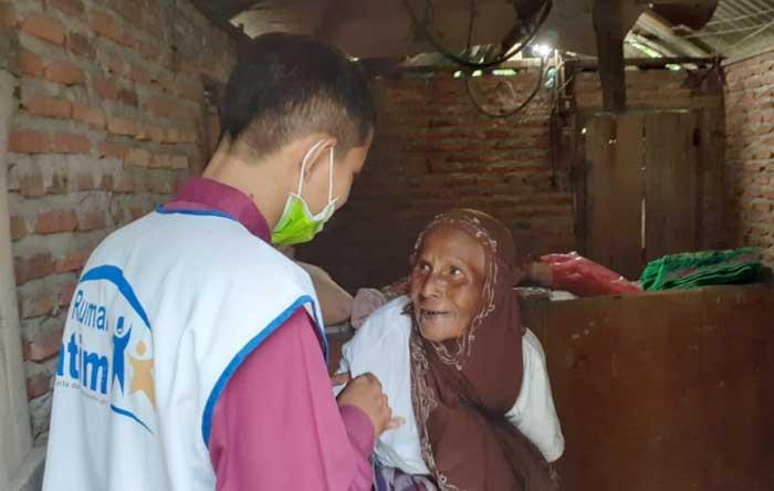 Kisah Nenek Inap, 12 Tahun Sebatang Kara Tinggal di Gubuk 3x4 Meter