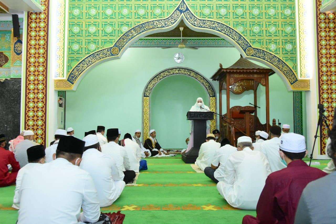 Bupati Salat Iduladha di Masjid Agung Istiqomah Bengkalis