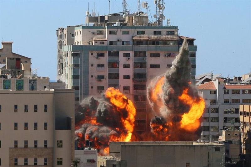 Berdalih Kejar Hamas, Israel Bombardir Kantor Berita AP dan Al Jazeera