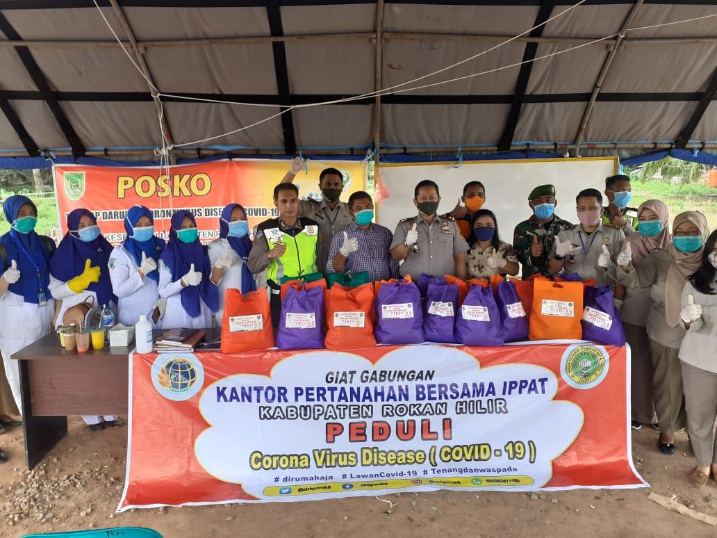 BPN Rohil dan IPPAT Memberikan Bantuan Sembako