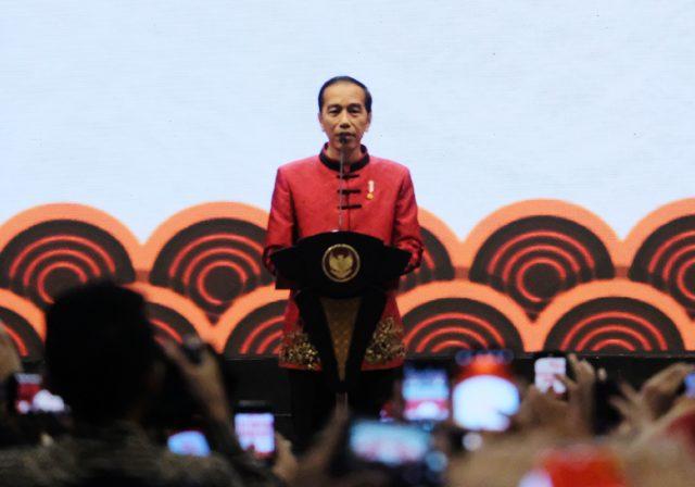 Presiden Joko Widodo: Pengiriman APD ke Setiap Provinsi Betul-betul Dipantau