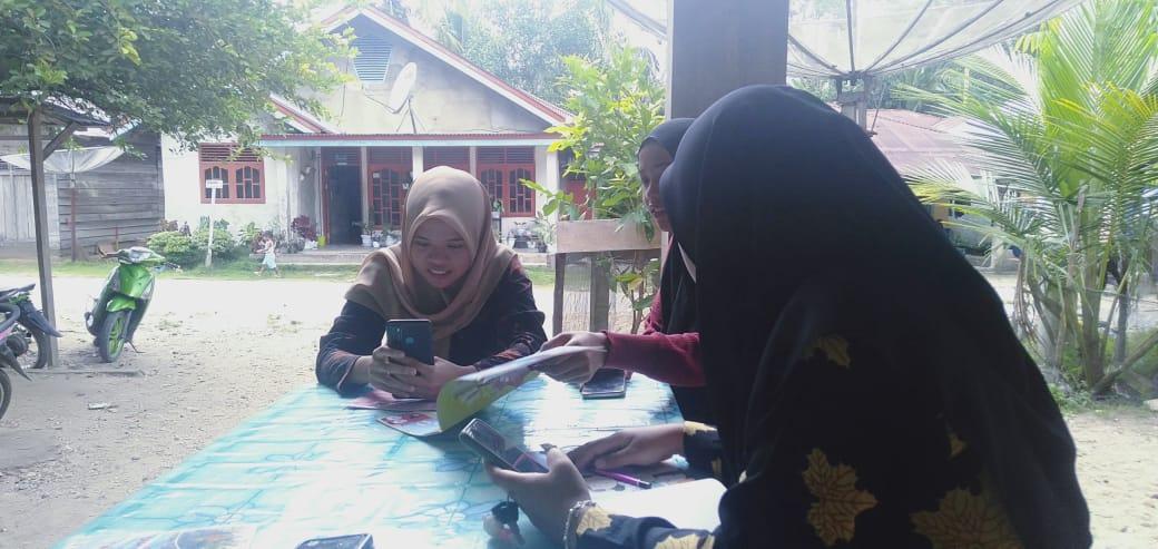 Pasang Wifi, Pelajar Desa Air Buluh Tak Lagi Naik Turun Bukit