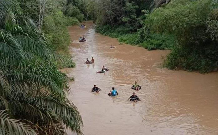 Terseret Arus Sungai, Balita di Kuansing Belum Ditemukan