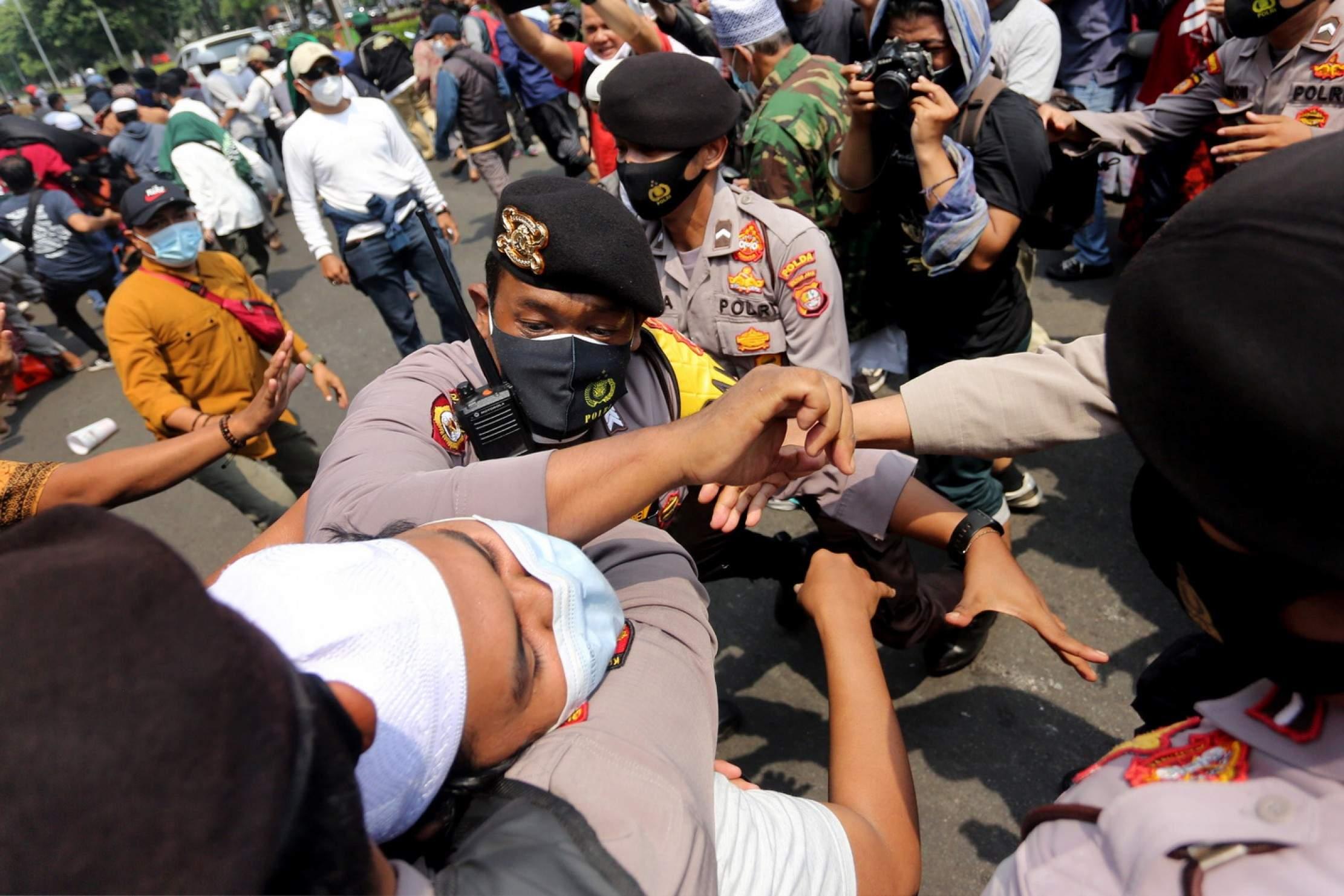 HRS Bacakan Eksepsi, Wartawan Dilarang Masuk