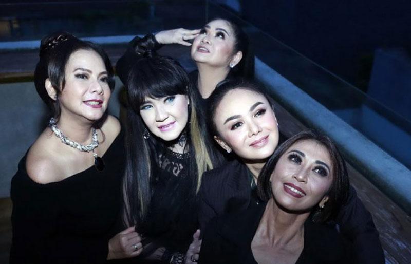 5 Penyanyi Legendaris Reuni Lewat Kasih Putih