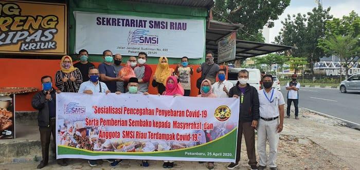 Gandeng BSP, SMSI Riau Bagikan Paket Sembako kepada Masyarakat dan Anggota Terdampak Covid-19