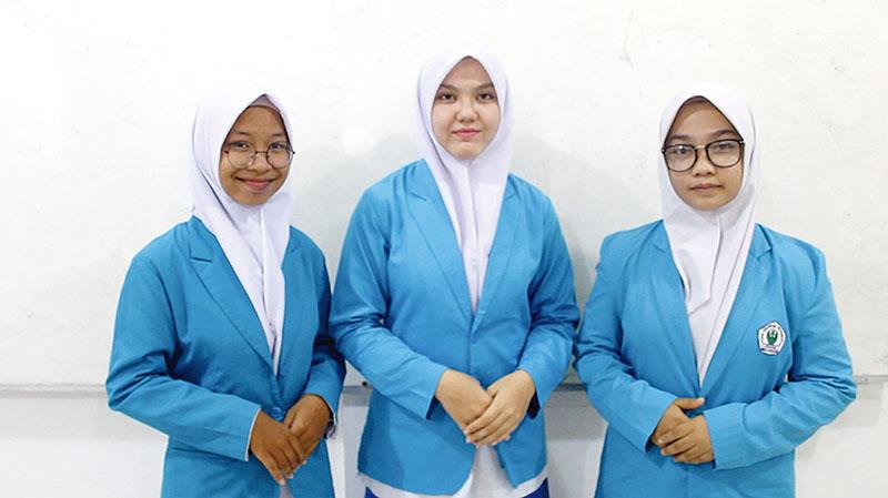 TIM KTI SMK Abdurrab Juara 2 LKTI Nasional