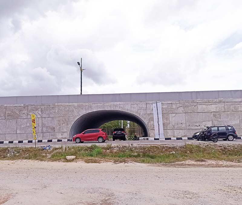 Terowongan Flyover Tanpa Pembatas