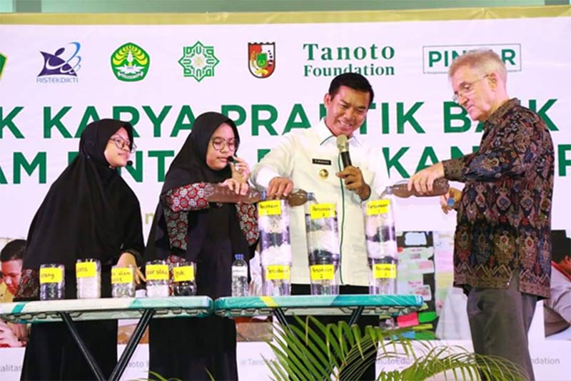Wali Kota Pekanbaru Apresiasi Hasil Pendampingan Program PINTAR Tanoto Foundation