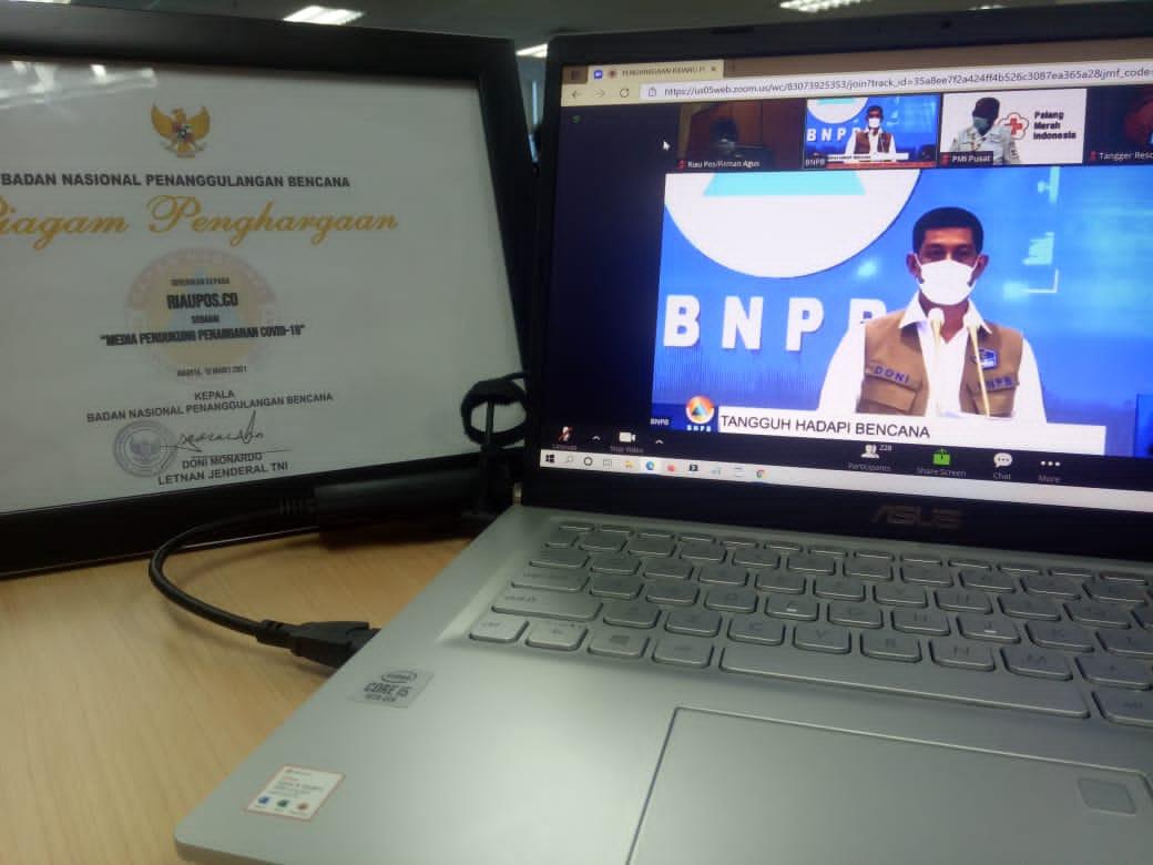 5 Media Anggota AMSI Riau Terima Penghargaan dari BNPB