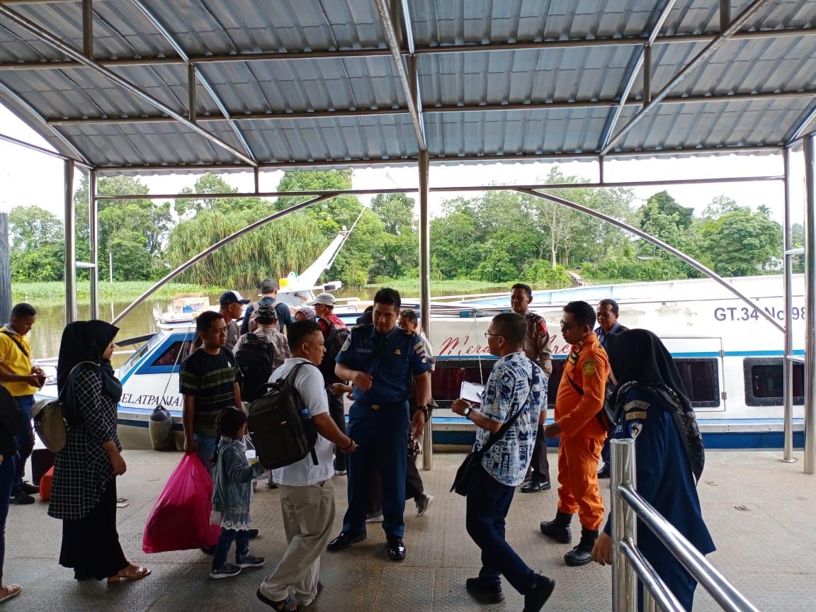 Pulang Kampung ke Sumbar, Satu TKI Malaysia Tiba di Pelabuhan Sungai Duku