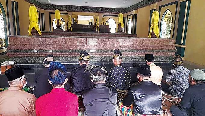 LAM Ziarahi Makam Pendiri Kota