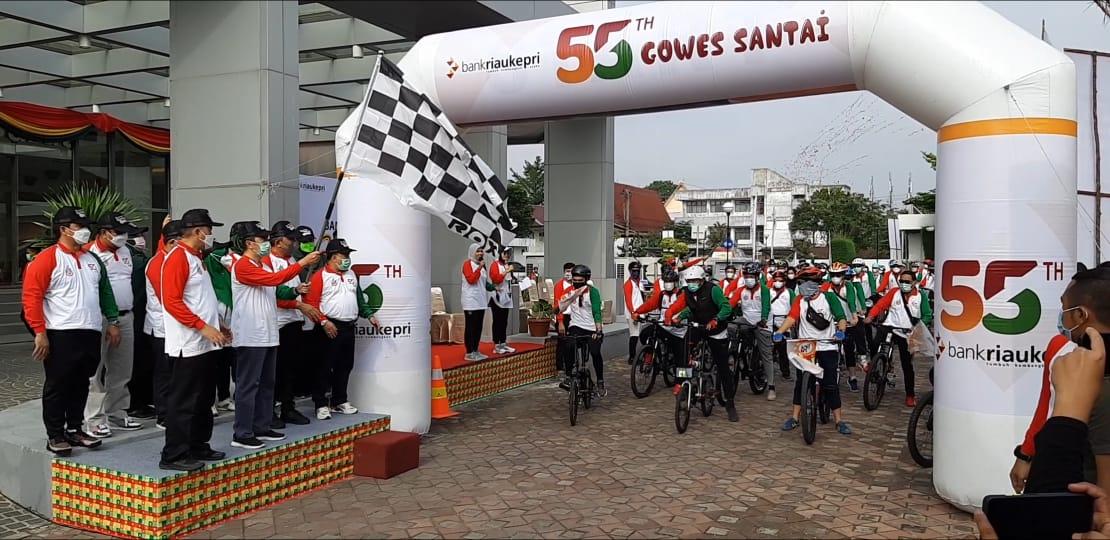 PT BRK Laksanakan Sepeda Santai dan Bantu Panti Asuhan