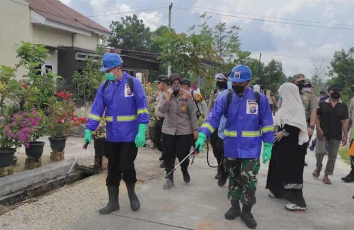 HUT Bhayangkara, Polresta Pekanbaru Kembali Lakukan Penyemprotan Desinfektan