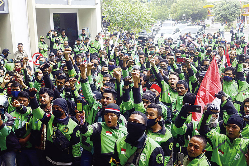 Gelar Aksi di DPRD, Driver Gojek Tuntut Program Berkat Dihapus