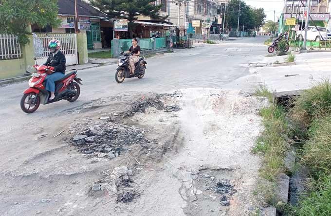 Warga Minta Jalan Melur yang Rusak Segera Diperbaiki
