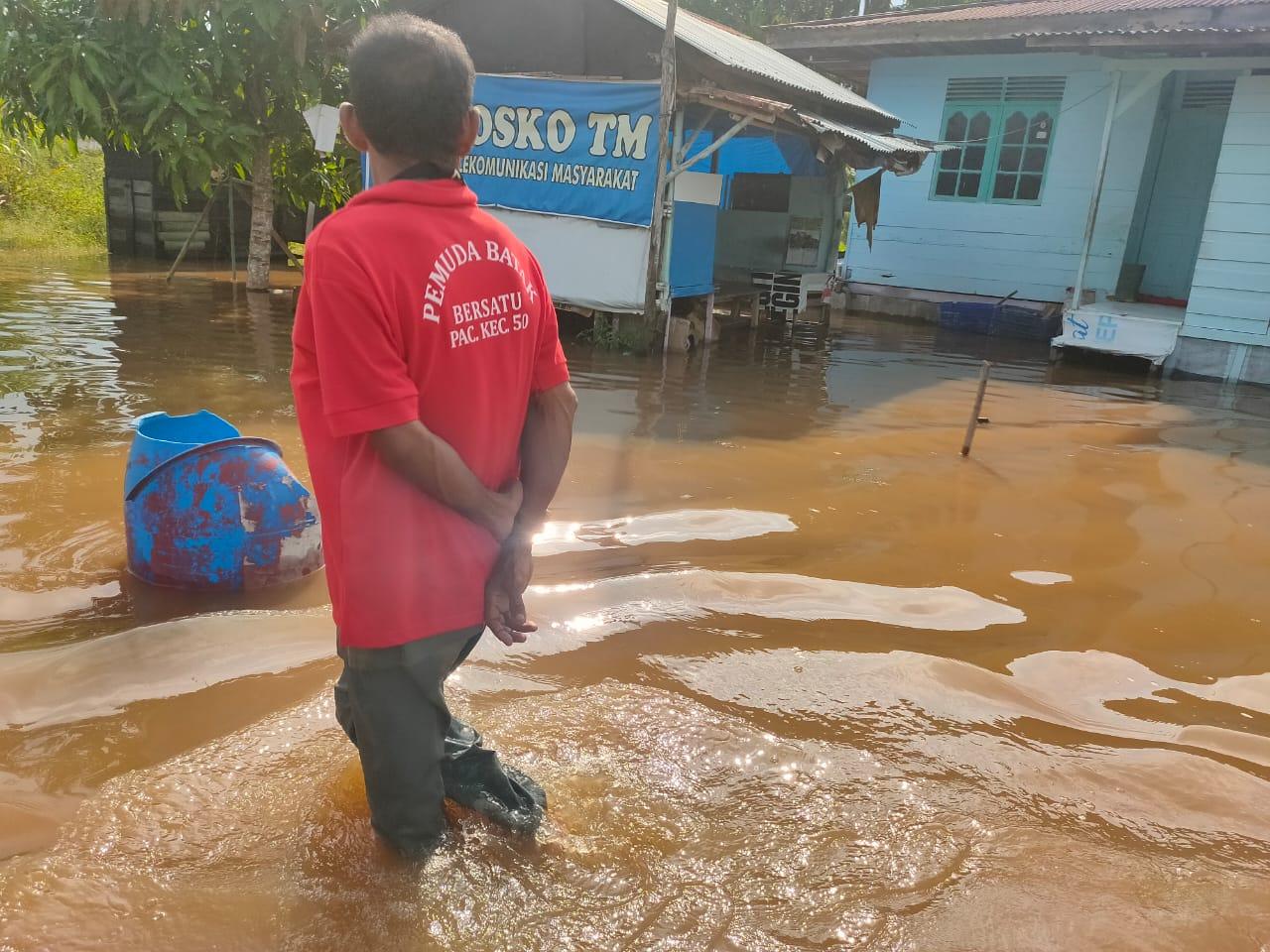 Warga Korban Banjir Perlu Bantuan Pemko, Viktor: Jangan Pakai Tunggu