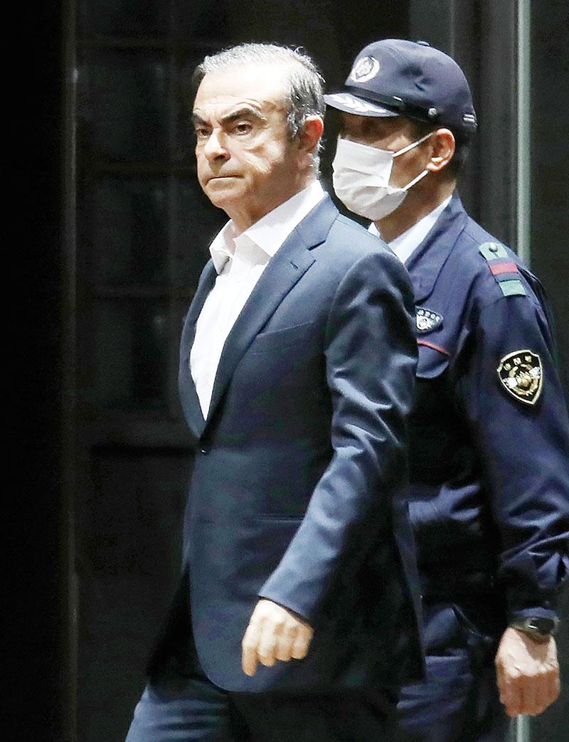 Cerita Carlos Ghosn yang Kabur dari Jepang