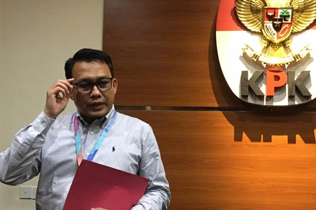 KPK Tak Tunda Proses Hukum Cakada