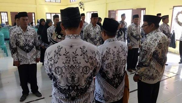 PGRI Inhu Siapkan Bantuan Sembako untuk Guru Komite
