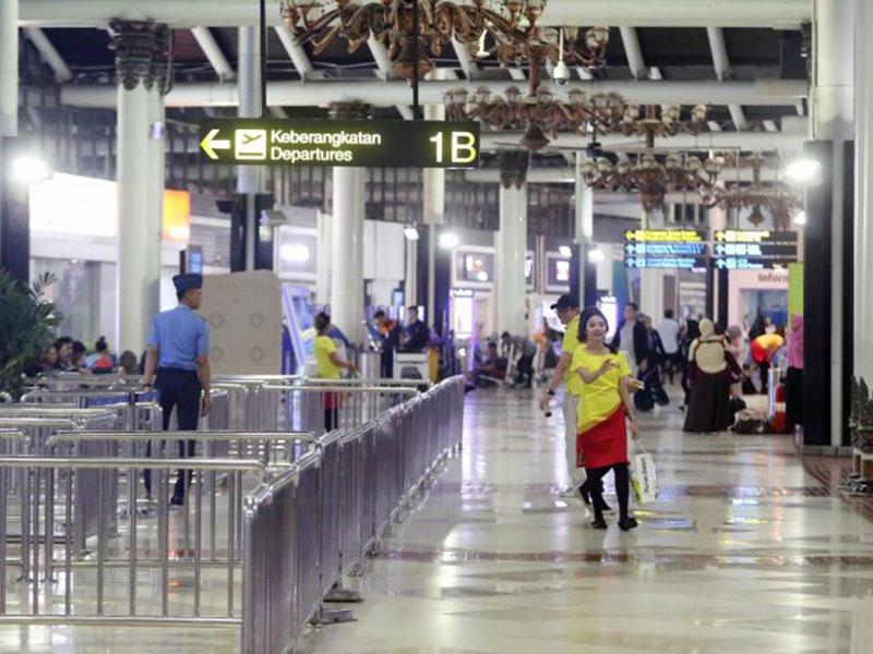 Bandara Soetta Tutup Penerbangan Komersial