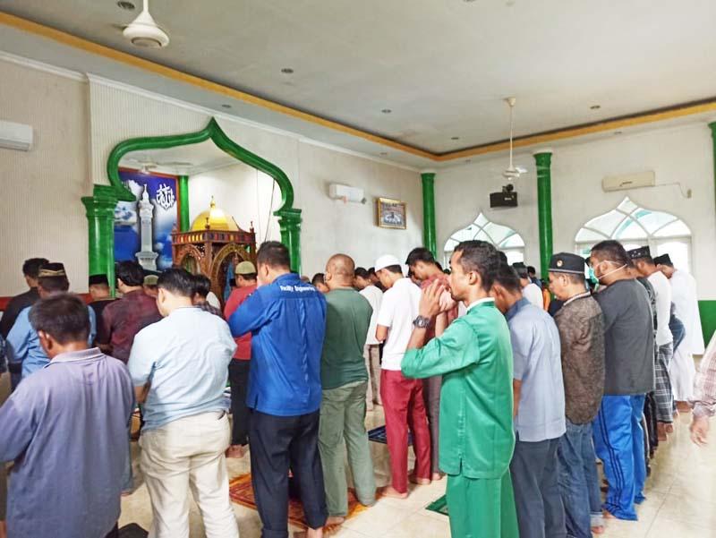 Warga Tak Salat Jumat, tetapi Zuhur Berjamaah di Masjid