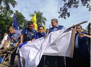 SBY Jalan Kaki Sisiri Balihonya Dirusak OTK