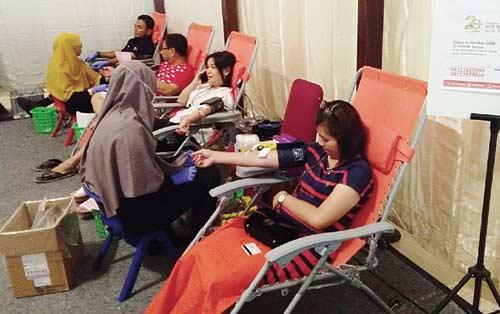 1.300 Warga Ikuti Donor Darah RS Awal Bros Pekanbaru