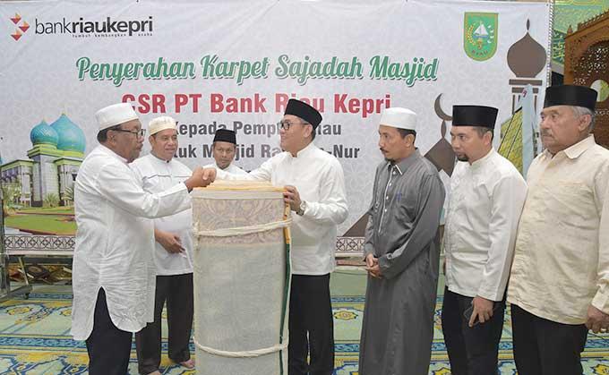 BRK Serahkan CSR ke Masjid Raya An-Nur