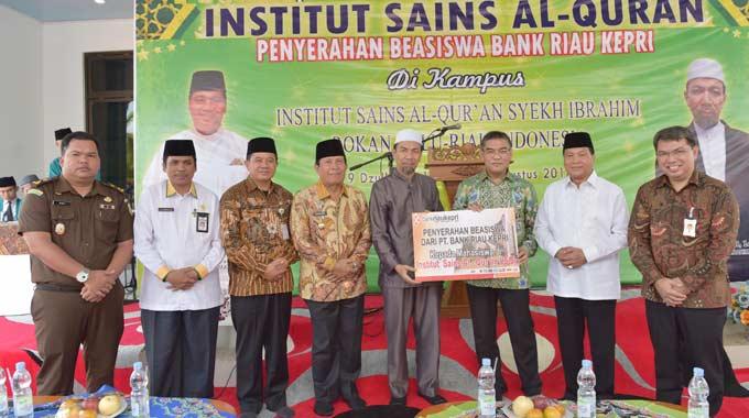 Bank Riau Kepri Komitmen Majukan Pendidikan