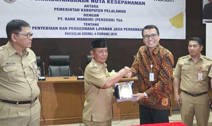 PT Bank Mandiri-Pemkab Pelalawan Kerja Sama Pajak Online Host to Host