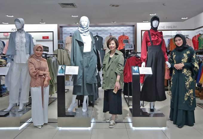 Karya Tiga Desainer Ramaikan Matahari Department Store Meet & Greet