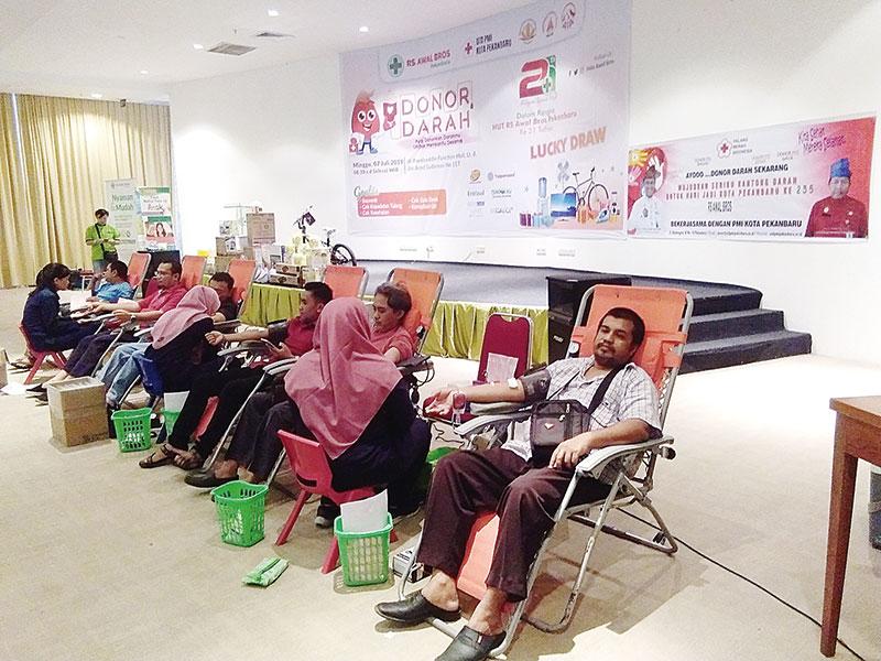 RS Awal Bros Hadirkan Aksi Sosial Donor Darah