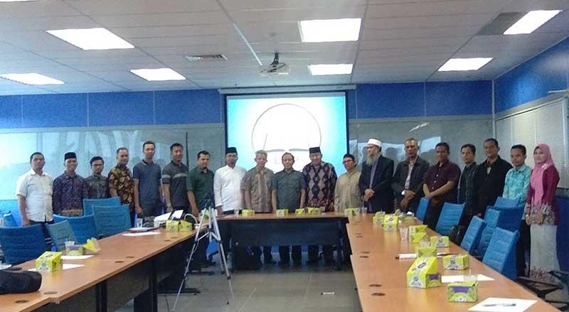 LPIP Bahas Konversi Bank Riau Kepri ke Syariah