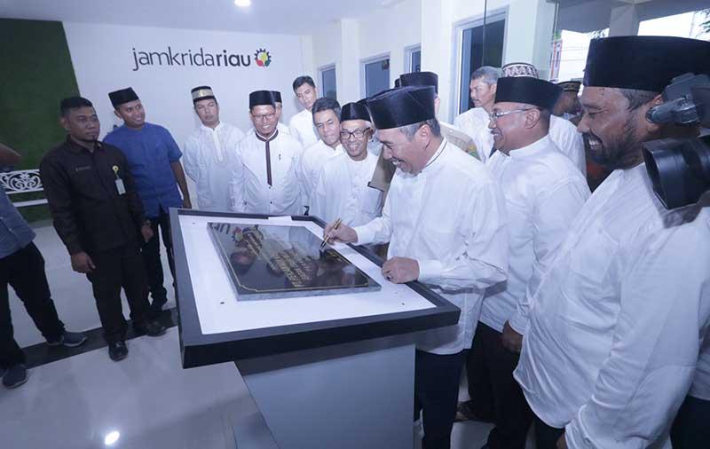 Tingkatkan Pelayanan, Jamkrida Riau Resmikan Kantor Baru