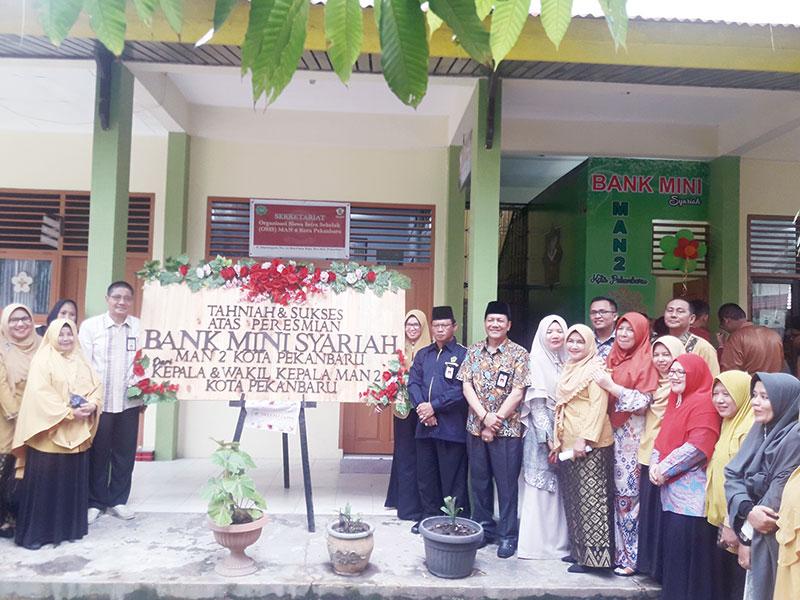 MAN 2 Pekanbaru Launching Bank Mini Syariah