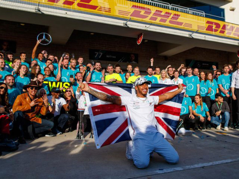Satu Gelar Lagi, Hamilton Sejajar dengan Michael Schumacher