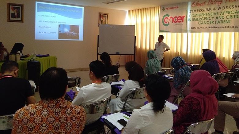 Gelar Simposium dan Workshop Pemeriksaan IVA