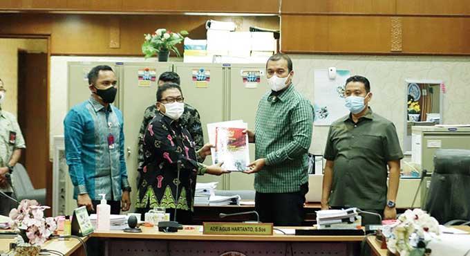 DPRD Riau Terima Nama Calon Komisioner KI dan KPID
