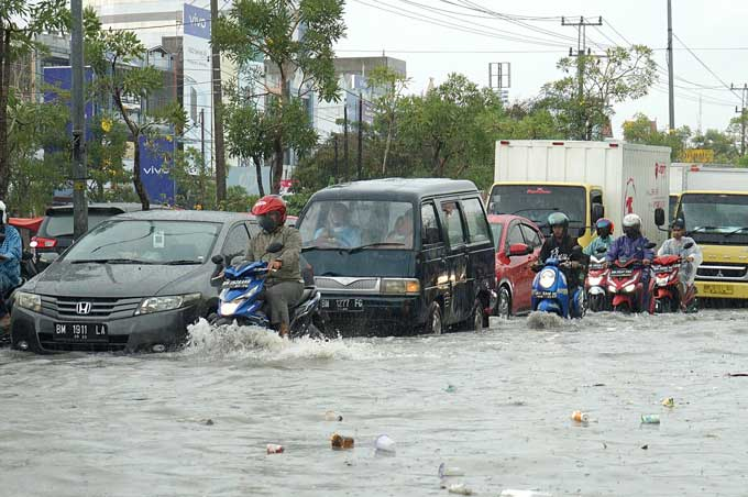 Pemko, Fokuslah Tangani Banjir Pekanbaru