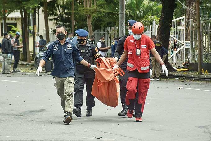 Ramai-Ramai Kutuk Aksi Bom Makassar