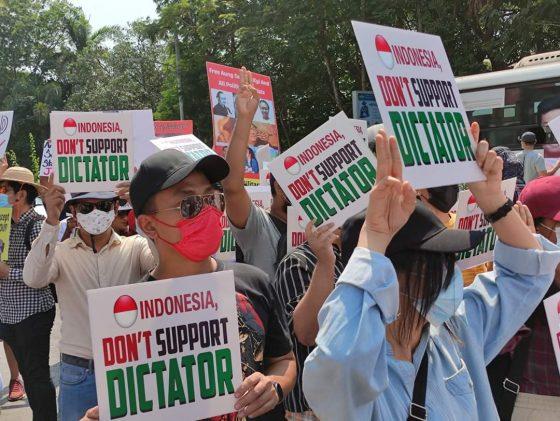 Kedubes RI di Myanmar Dikepung Demonstran